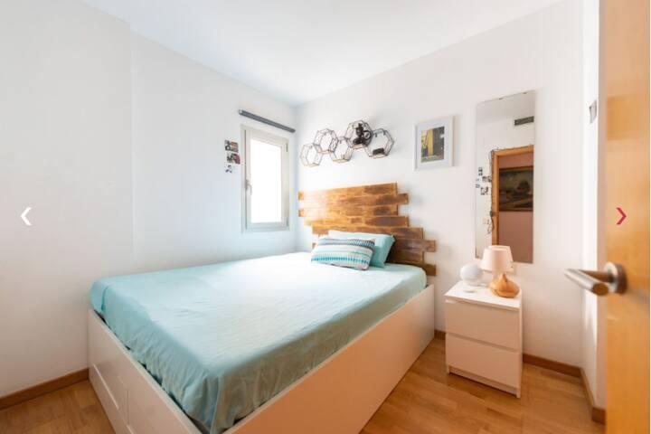 Habitación en Raval centro de Barcelona