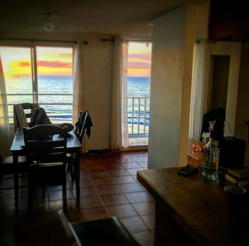 Baja BeachFront TopFloor Condo 2B2B - Tijuana - Appartement