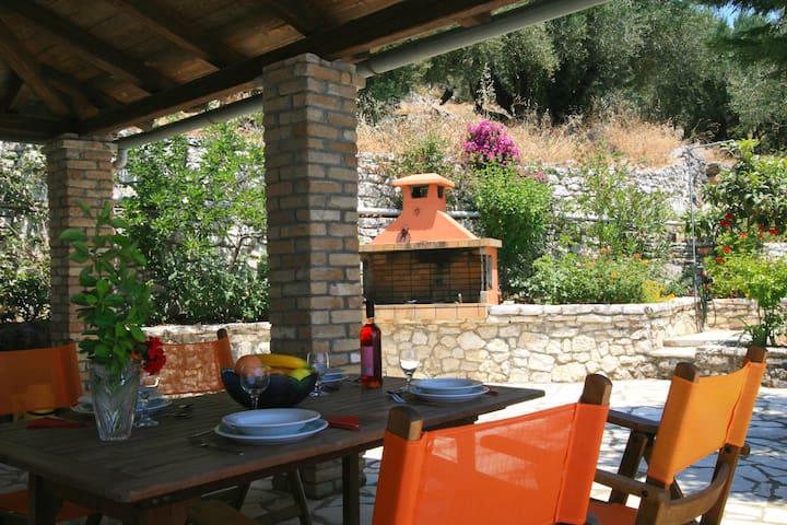 Villa Ioanna, Stone Villa - Private Swimming pool