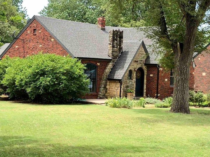 Story Book Gingerbread Tudor Cottage