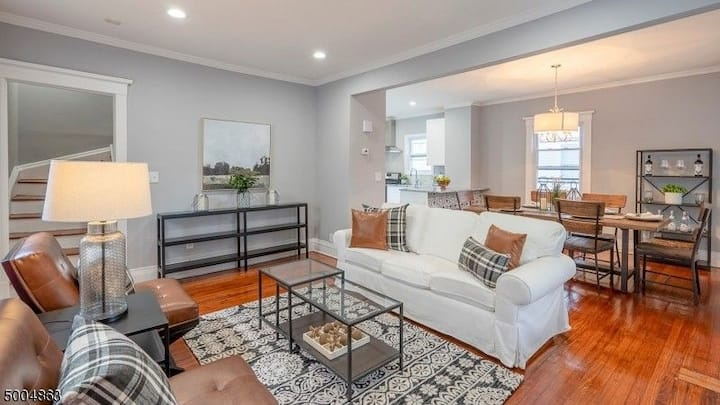 Beautiful 3-bed house - 35 mins from Penn Station