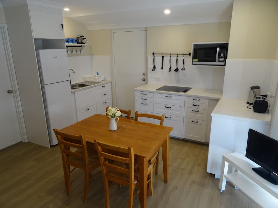 New private spacious 1 bed flatlet houses for rent in for E kitchens canning vale