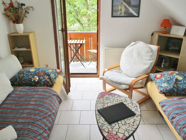 Schönes Zimmer in EFH mit Garten Stadtrand Berlin