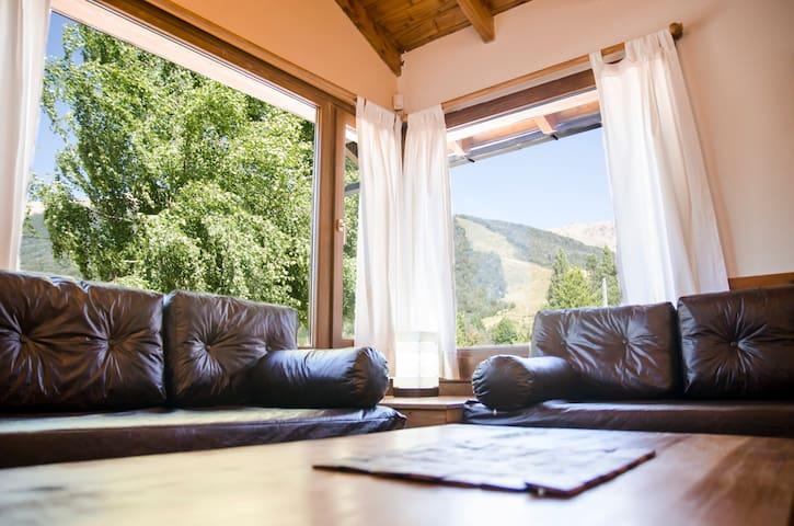 Cute apartment near mountain,lifts! (Liebre)