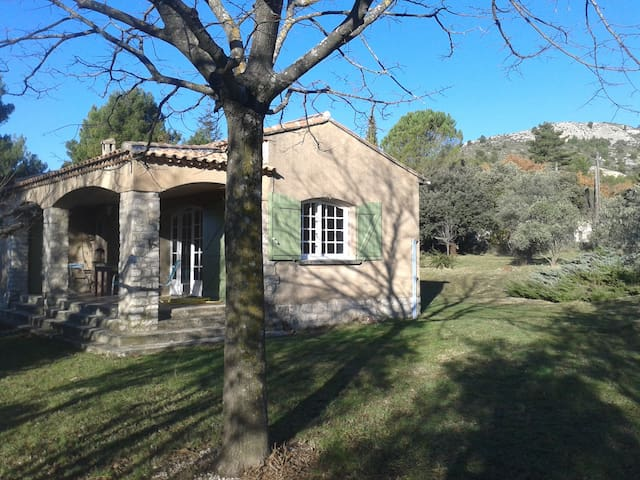 On the Luberon's hiking paths - Mérindol - House