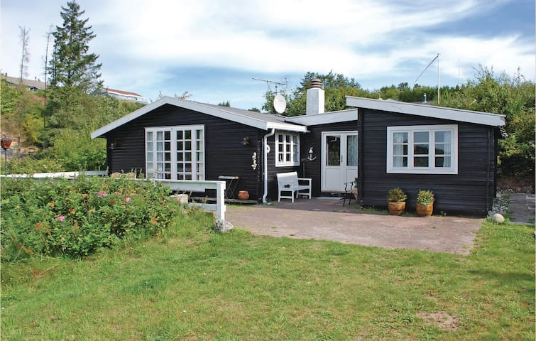 Holiday cottage with 2 bedrooms on 40m² in Ebeltoft