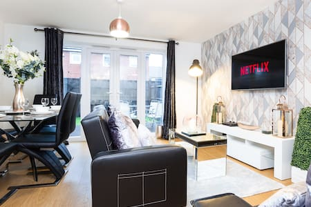 3 Bed House in MK Contractors Business Relocation
