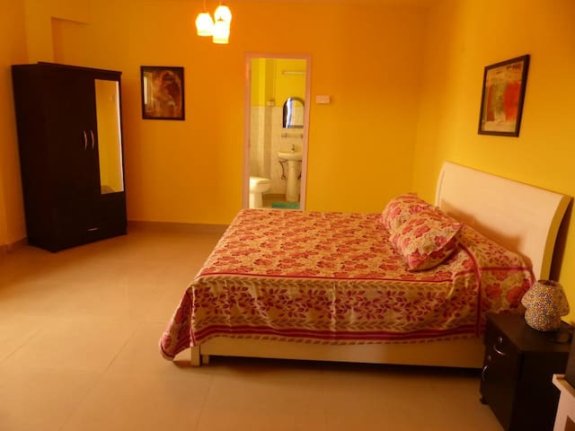 Pr. Room in South Delhi - Bful View -Close 2 Metro