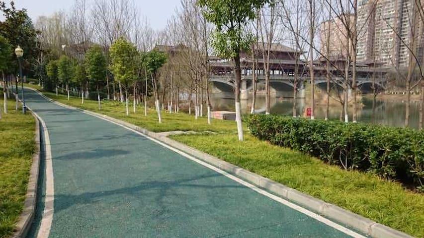 御锦湾【温馨大床 一室一厅】邻万达 公园 如意湖