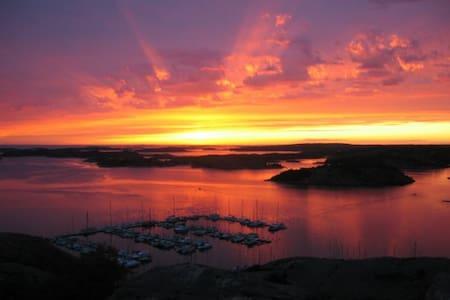 Sheltered paradise in Fjällbacka - Fjällbacka
