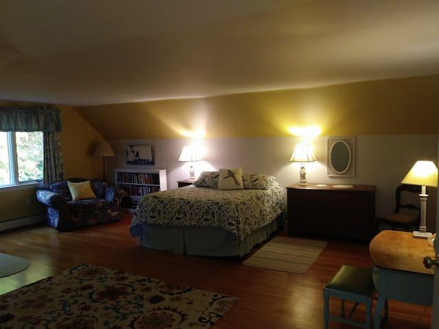 Queen in East bedroom suite