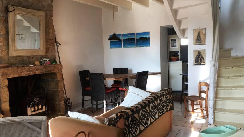 Maison de charme au cœur du bourg, à 2 pas du port - Locmariaquer - Huis