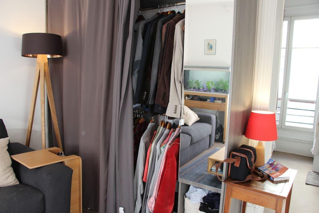 Shelf / Dressing
