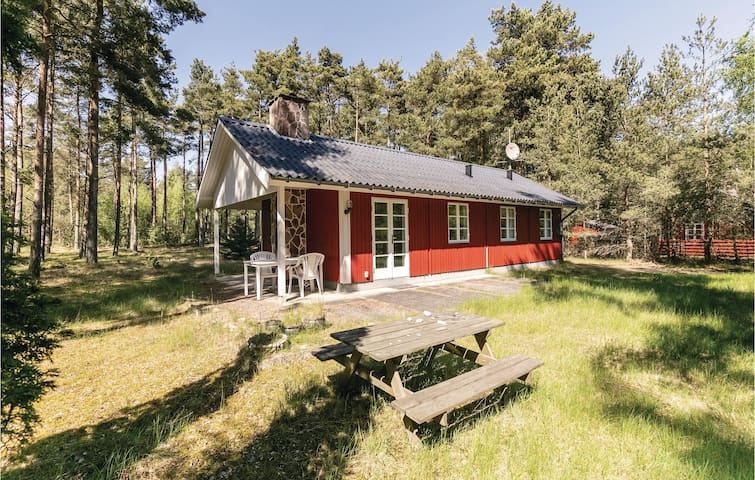 Holiday cottage with 2 bedrooms on 56m² in Aakirkeby