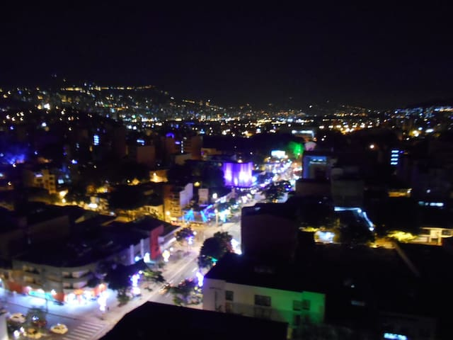 Laureles... Best views in town...14th floor Apt. - Medellín - Daire