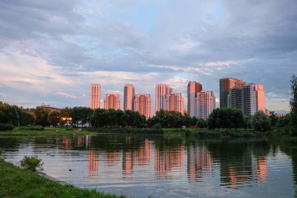 Вид комплекса со стороны парка