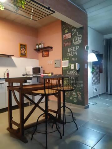 Mesa de antiquário (prancheta antiga) para almoço e trabalho