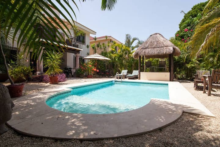 Amaizing one bedroom house with private pool!!
