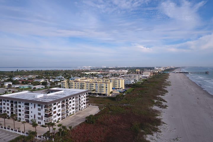 Renovated 2BR Beach Front Condo near Pier/Ron Jon