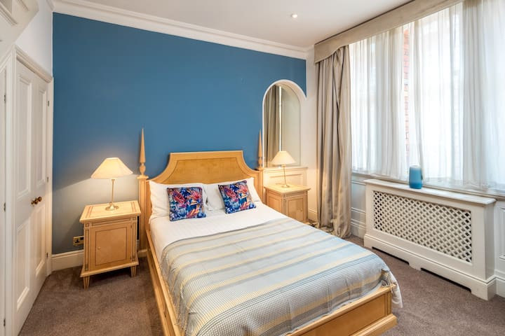 Elegant 1 bed flat in Mayfair, Bond Street