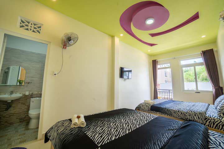 Cherry House DaLat - Quad Room With Balcony Q2R