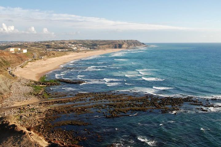 Blue Beach, West Coast of Portugal - Torres Vedras - House