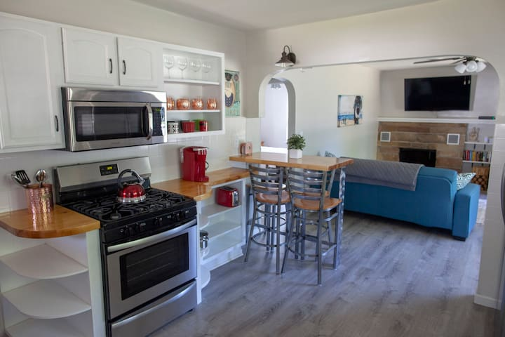 Open concept kitchen and living room. Brand new flooring throughout. All brand new appliances as well.