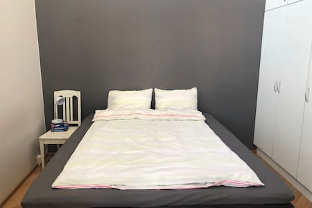 Big 1 bedroom flat in the very center, 24h checkin