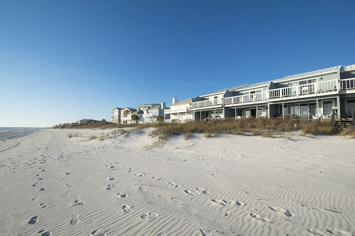 Paradise30A ~On The Beach, Beach Front, Steps to the sand, Bike to Rosemary!