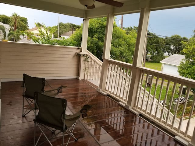 PRIVATE Galveston Getaway+Washer/Dryer, Fridge, TV