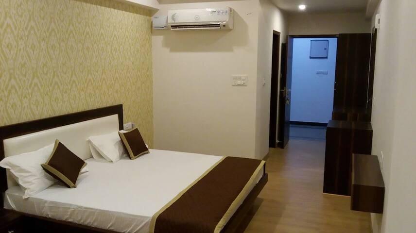 Deluxe Room in Hotel Sarvmangla Garden