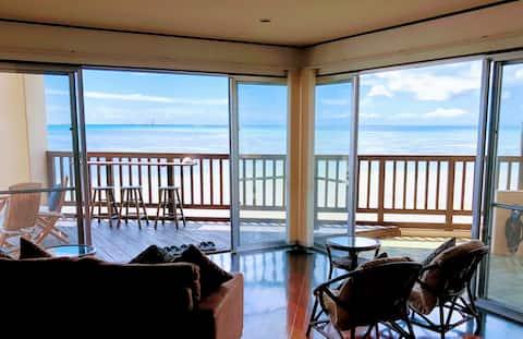 Oceanfront wide terrace !!  2 bed room+tatami room