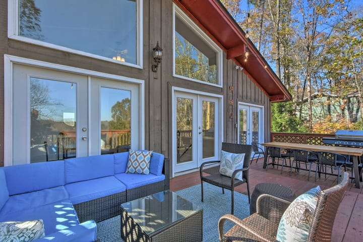 NEW! Remodeled Lakefront Retreat w/ Decks and Dock