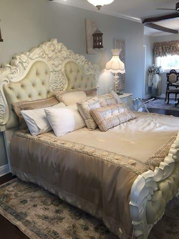 Sparkman House Luxury B&B - Carriage House Suite