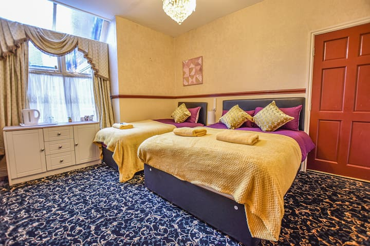 Comfortable Double Room with Extra Bed (Near MRI)