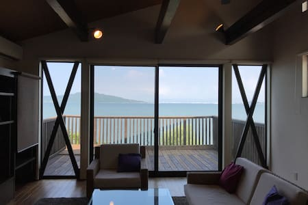 福岡市!糸島観光にも最適!絶景の海を一望する特等席デッキのある最新設備戸建て。駐車4台無料!消毒液有