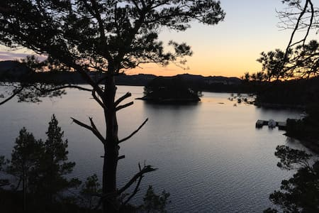 Kjellerleilighet ved fjorden med fiskemuligheter - Bømlo