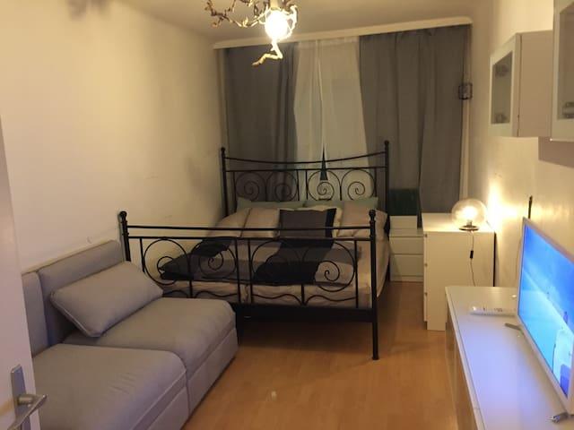 Voll ausgestattetes Zimmer -Sauber ( Clean)