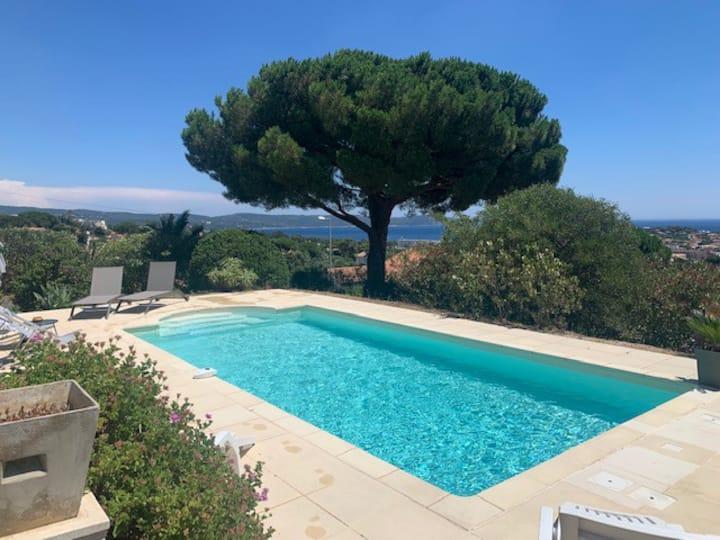 Cavalaire - Villa avec piscine et belle vue mer