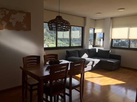 Apartamento con vistas ,acogedor, parking y wifi