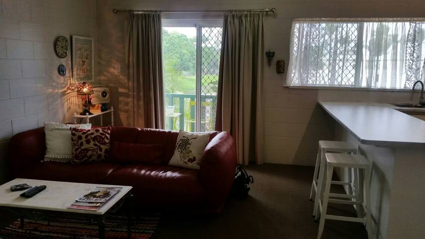 Upstairs apartment in a central location, WiFi