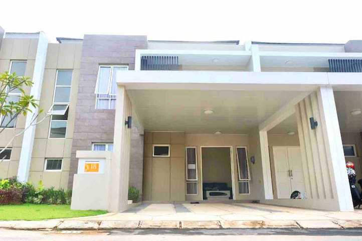 4 bedrooms house at Orchard Park by Agung Podomoro