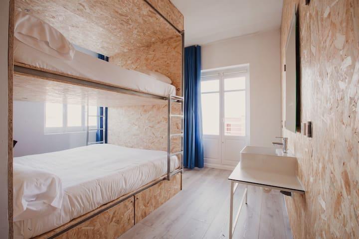Habitación cuádruple con camas de 180x200 en litera
