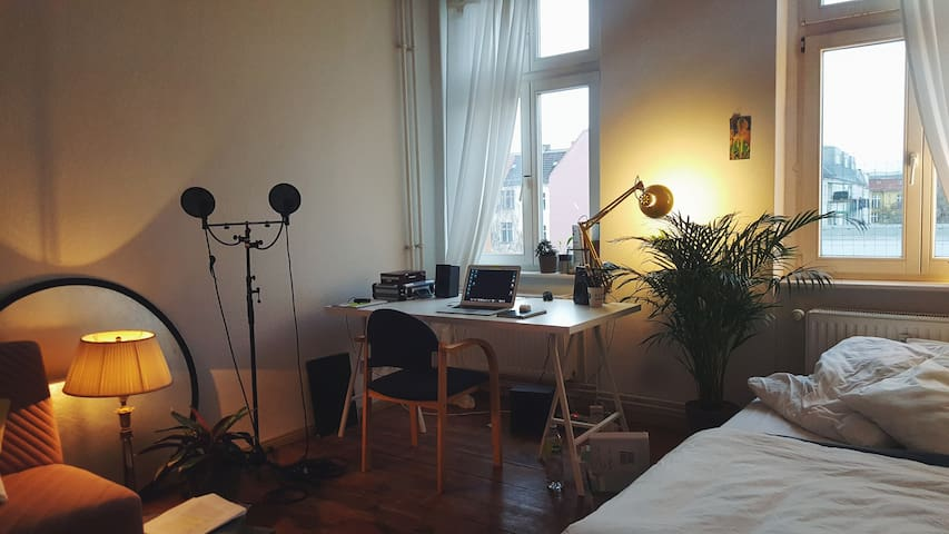 Cozy Room in Friedrichshain - For Cat Lovers