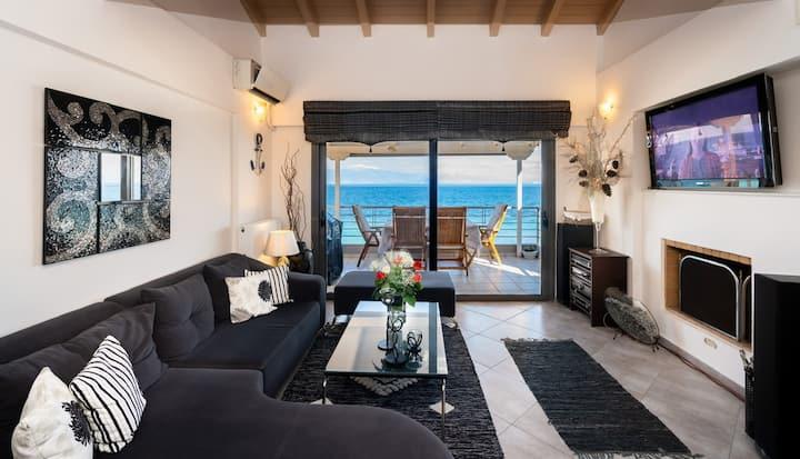 Modern Seaview Apartment