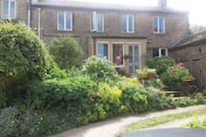 Bijoux double in 17C house & Hottub - Holmfirth - Hus