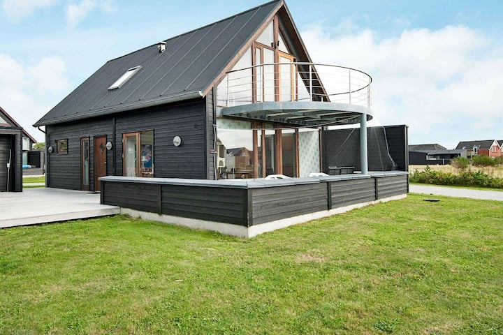 Attractive Holiday Home in Romo with Sauna