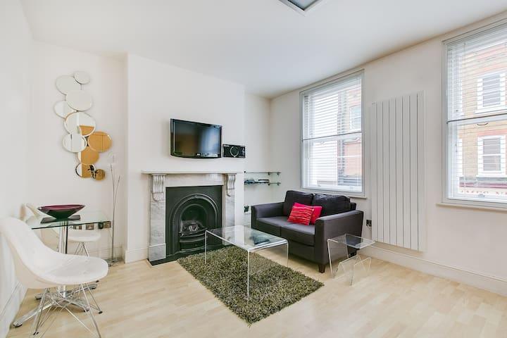 Compact, modern studio flat