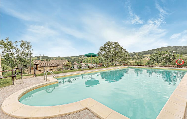 Holiday apartment with 2 bedrooms on 80m² in San Cipriano-Gubbio Pg