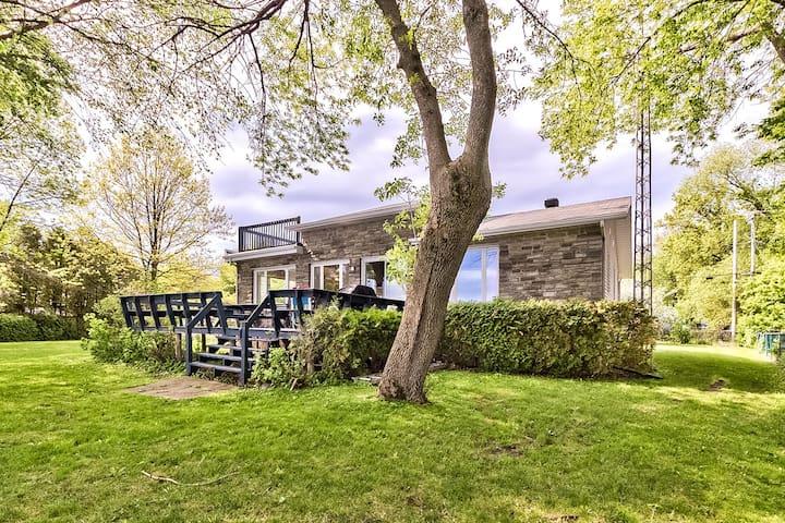 Beautiful 3BR house on the Lake Champlain